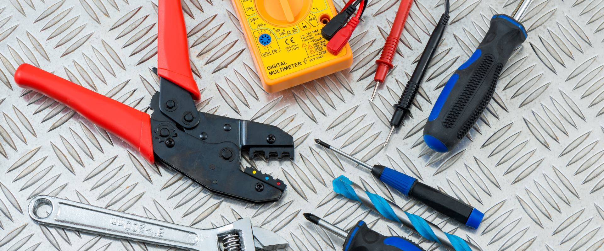 Electrical repair and maintenance tools